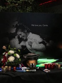 Star Wars Fans Pay Tribute To The Iconic Carrie Fisher