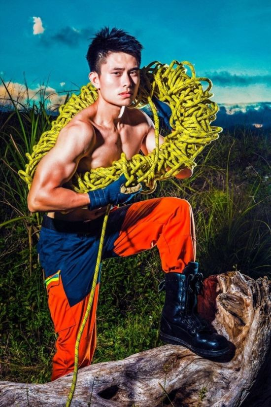 People Really Seem To Like These Photos Of Hot Firefighters