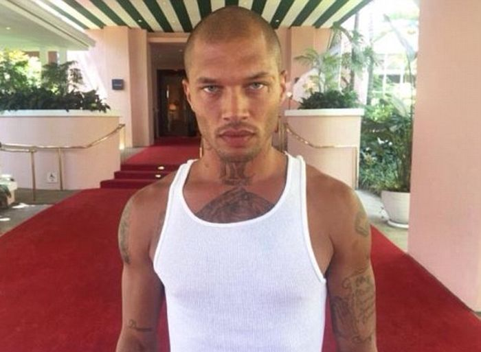 Model Felon Jeremy Meeks Celebrates The Holidays