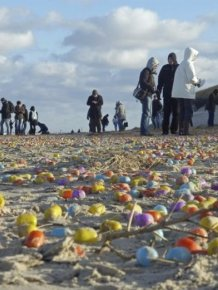 Children On North Sea Island Delighted By Flood Of Plastic Eggs