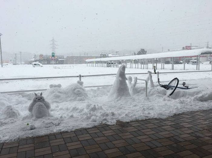 In Japan People Turn Snow Into Art Masterpieces