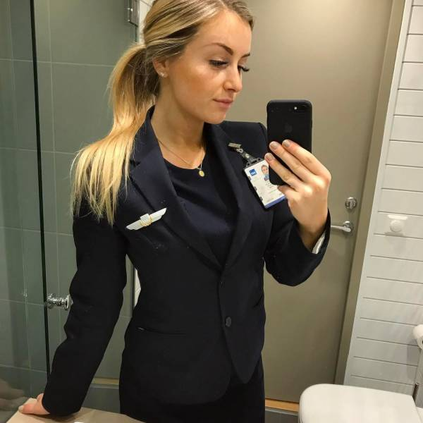 You'll Never Come Home If You Fly With This Gorgeous Woman