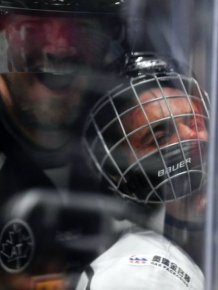 Justin Bieber Gets His Face Smashed