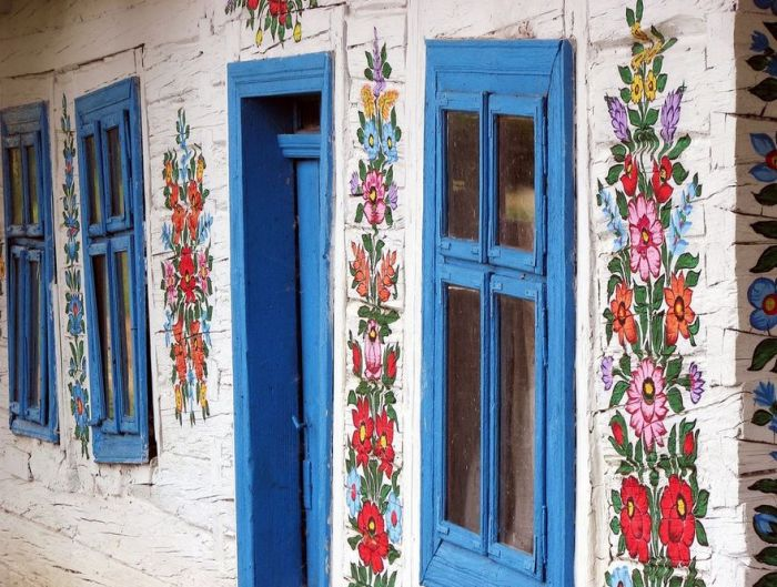 This Little Polish Village Is Covered In Colorful Flower Paintings