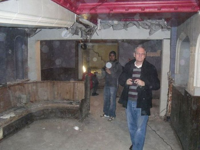Amazing Hidden Pub Discovered Underneath A Shopping Center