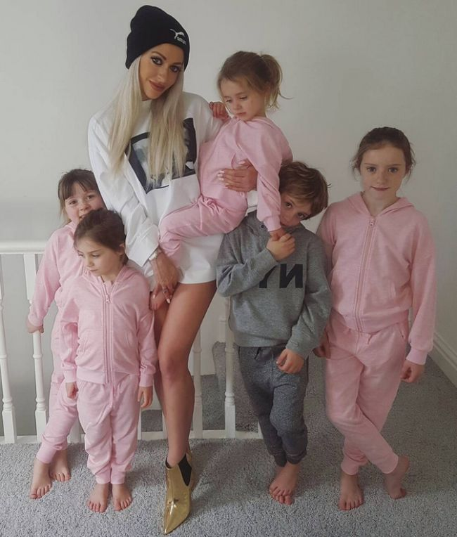 Hot Mother Of Five Says There's No Excuse For Excess Weight After Pregnancy