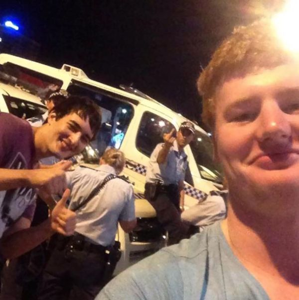 Selfie Fails By People Who Forgot To Look In The Background