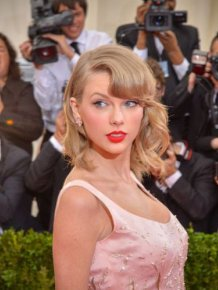 Somehow This Girl Looks More Like Taylor Swift Than Taylor Swift Does