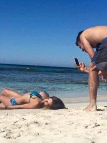Men Reveal The Other Side Of Perfect Social Media Snaps