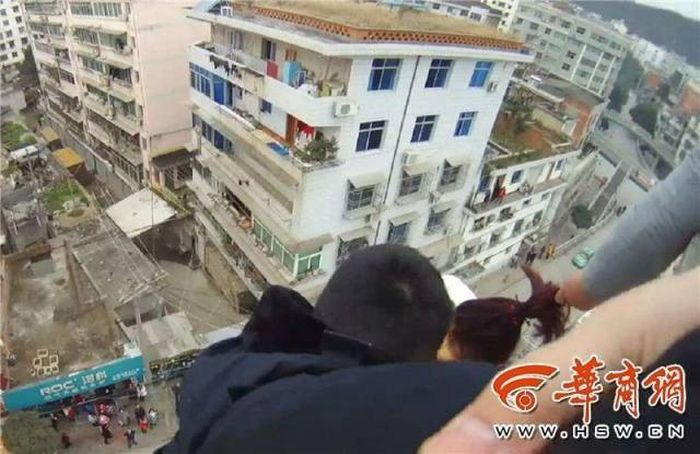 Chinese Man Won't Let Go Of His Wife