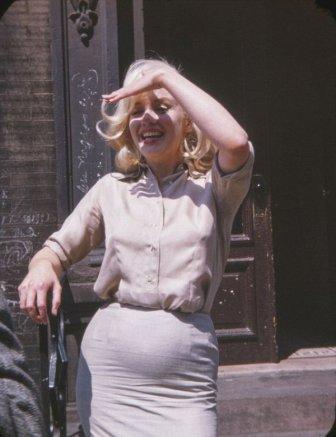 Vintage Photos Show A Pregnant Marilyn Monroe