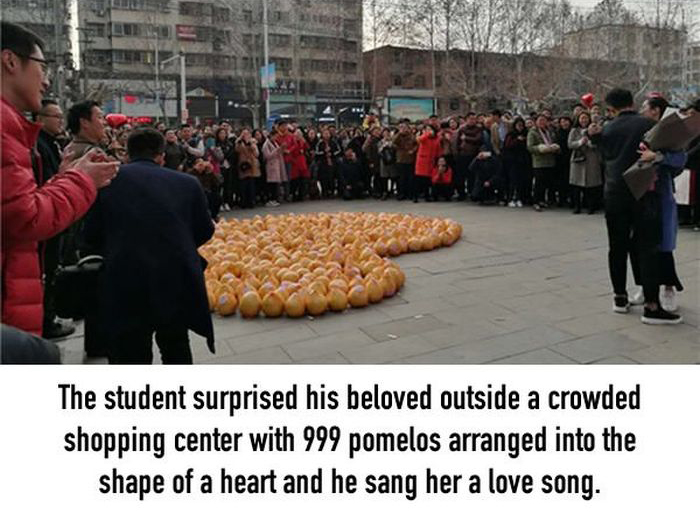 Guy Gets Rejected After Declaring His Love With 999 Pomelos