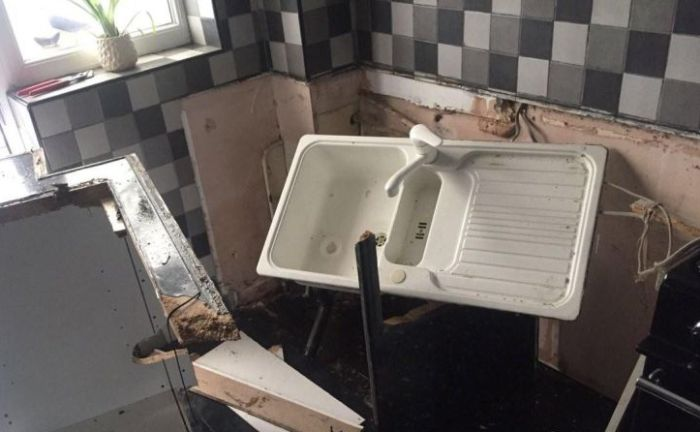 Washing Machine Explodes And Destroys Man's Room