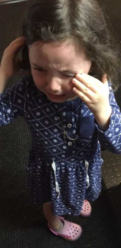 Ice Cream Serving Robot Makes Little Girl Cry