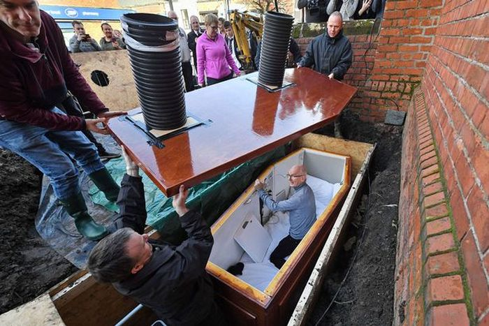 Man Gets Buried Alive In Coffin Underneath City Street