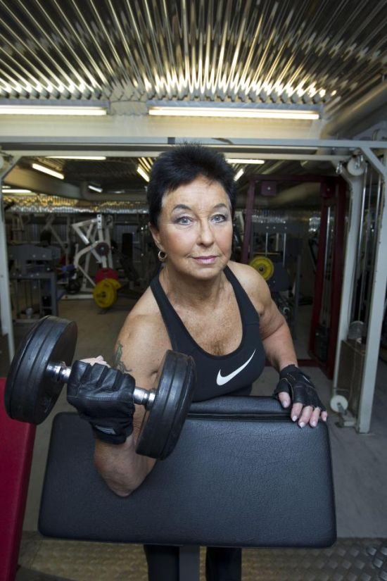 You'll Never Guess How Old This Female Weightlifter Is