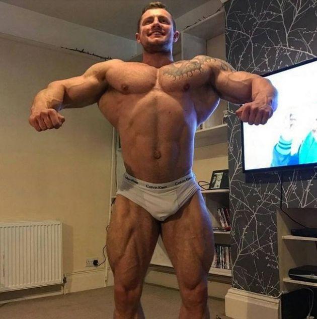Skinny Banker Turns Into Ripped Bodybuilder