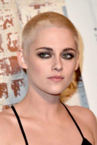 Kristen Stewart Shows Off Her New Haircut