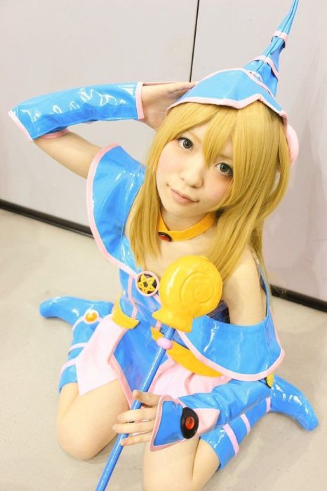 Japanese Cosplayers Take Cosplay To The Next Level