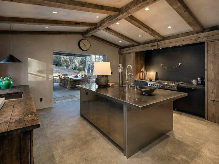 Ellen DeGeneres Put Her Gorgeous Mansion On The Market
