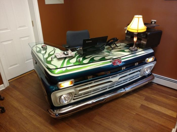 Superieur Old Pickup Truck Gets Turned Into A Cool Office Desk