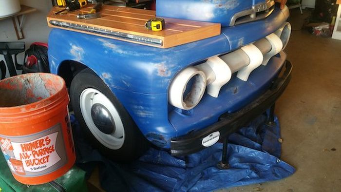 Guy Turns A Ford F-3 Truck Into An Awesome Bar