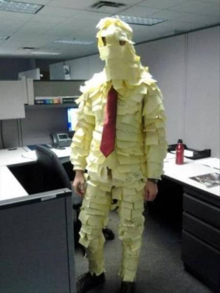 If You Get Bored At Work Just Do Something A Little Crazy