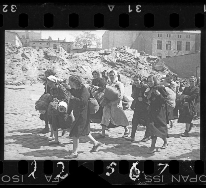 A Jewish Photographer Buried These Historical Photos