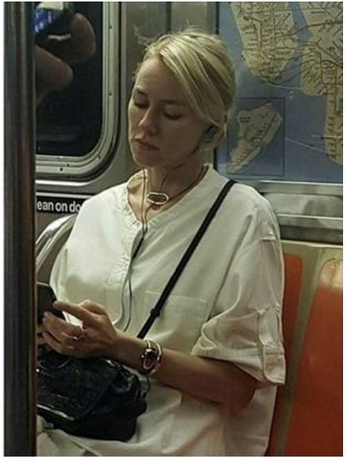 Naomi Watts Trolls Unaware Fan On The Subway
