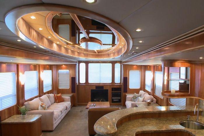 Big Luxury Houses On Wheels