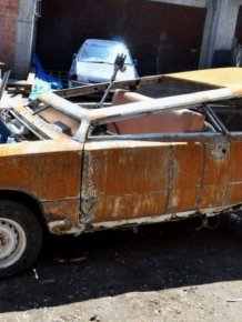 Russian Car Looks Like Something Out Of Mad Max
