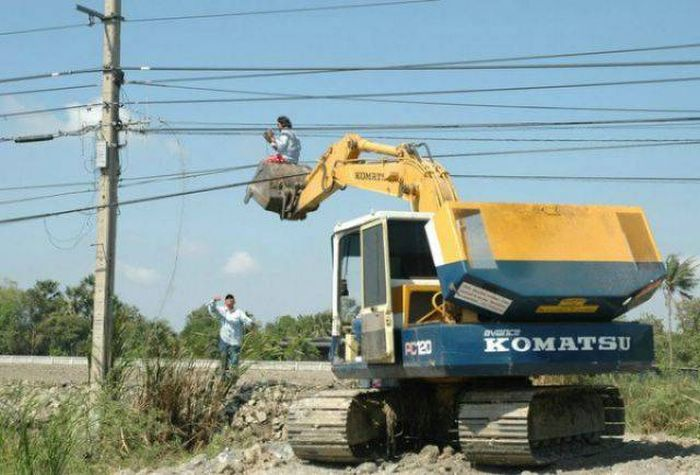 A Bunch Of Idiots Who Forgot To Put Safety First, part 2