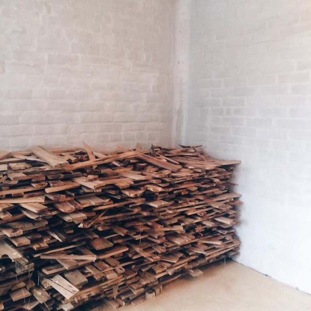 Insane Decorator Creates Stunning Wood Floor