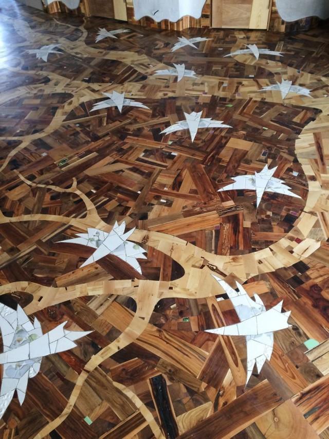 Insane Decorator Creates Stunning Wood Floor