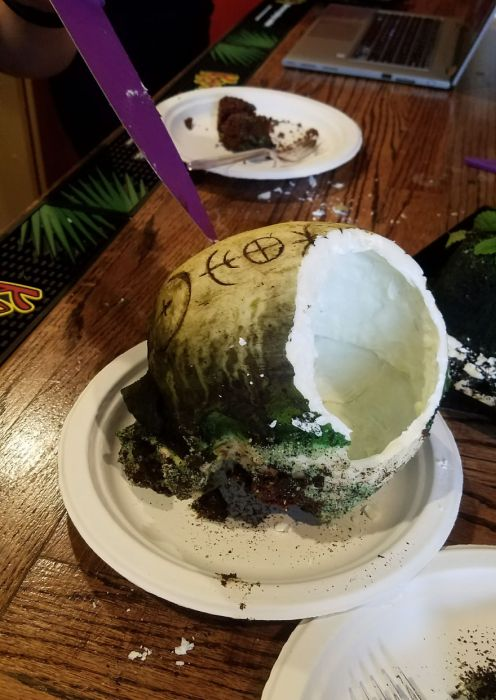 Baker Makes Incredible Skull Cake For Coworkers