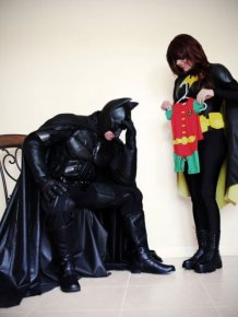 Couple Uses Superhero Costumes To Make Hilarious Pregnancy Announcement