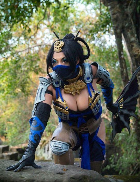Yaya Han Makes Some Of The Best Cosplays In The World
