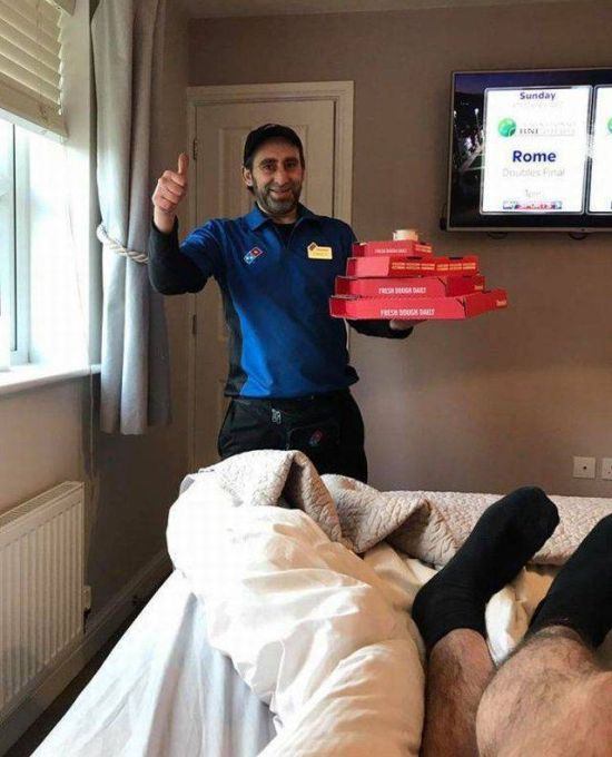 Hungover Guy Gives Perfect Pizza Delivery Instructions