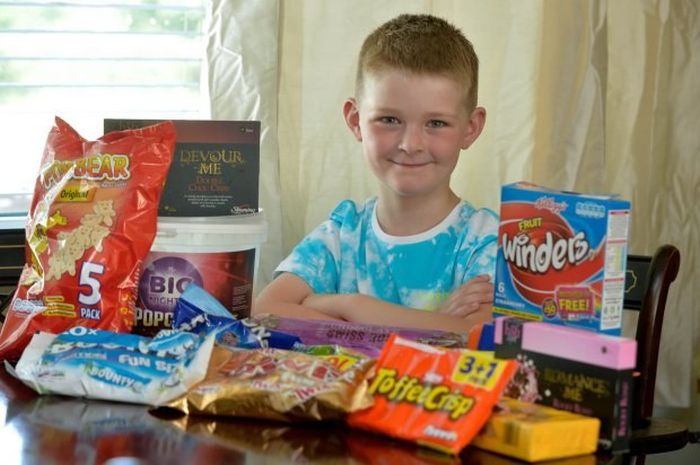 Generous Child Shows Off The Kindness Of His Heart