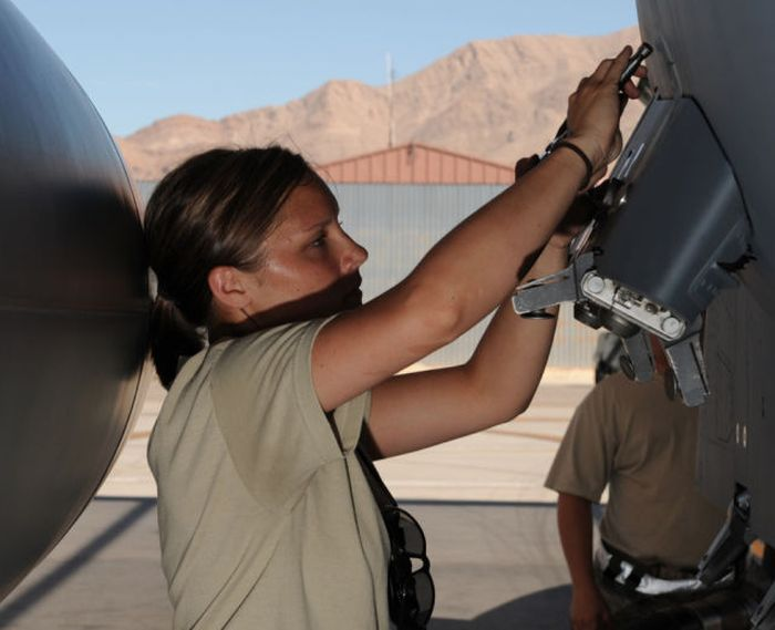 Beautiful Military Girls In Honor Of Memorial Day