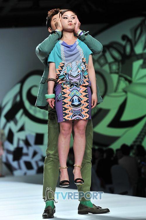 Strange Sights From A Strange Fashion Show