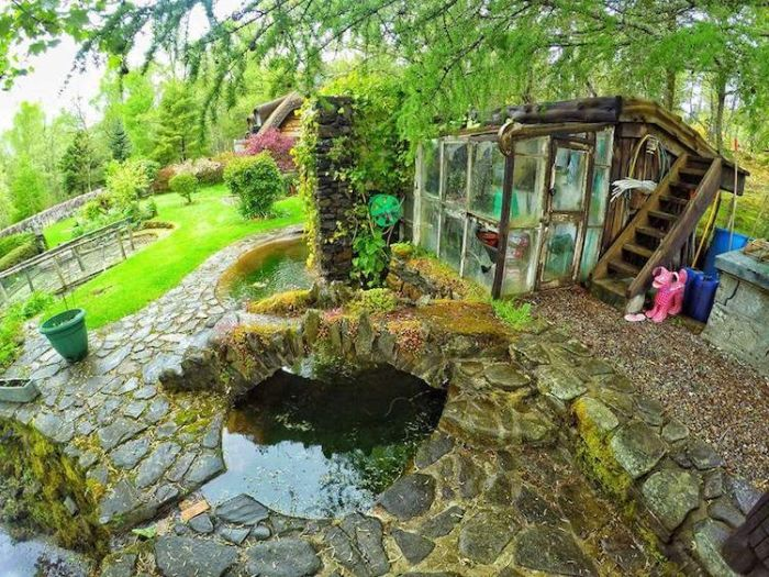 Lord Of The Rings Fan Builds His Own Amazing Hobbit House