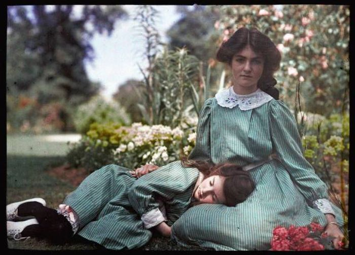 The World's First Colored Photos Date Back More Than 100 Years Ago