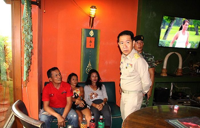 Soldiers Are Cracking Down On Prostitution In Thailand