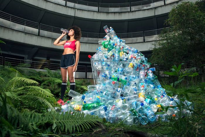 Photos That Show 4 Years Of Not Throwing Away Your Trash