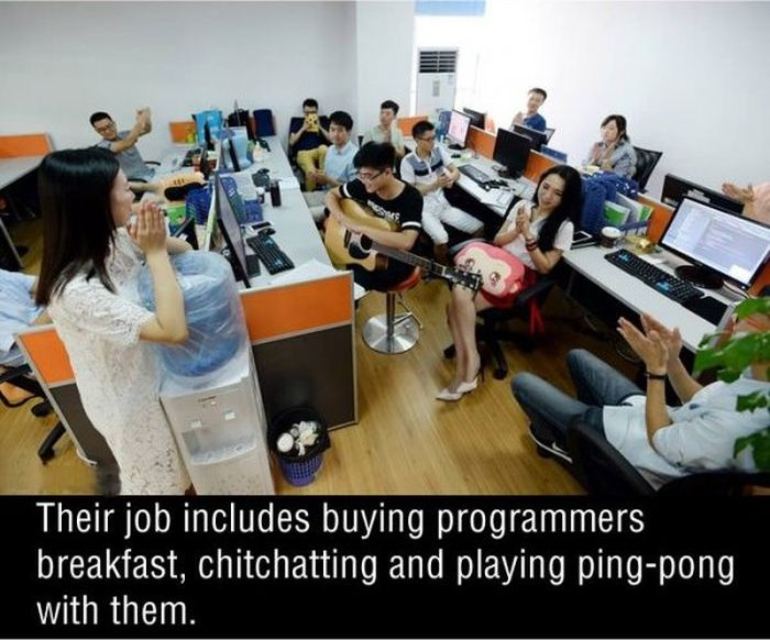 Chinese Companies Are Hiring Sexy Programming Cheerleaders
