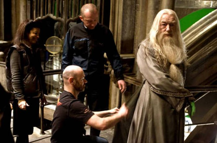 22 Awesome Behind The Scenes Photos From Harry Potter