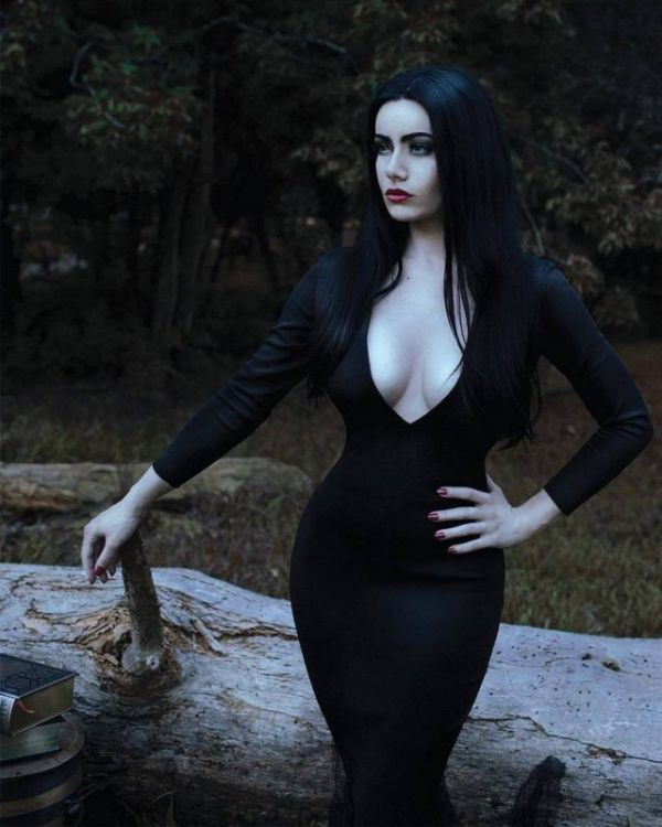 This Addams Family Cosplay Is Legit
