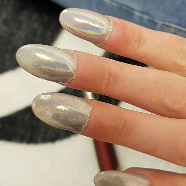 Woman Asked For A Round Manicure And Everything Got Messed Up