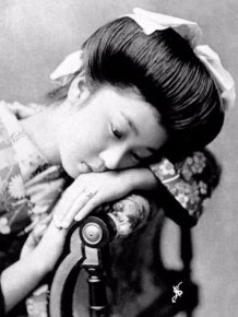 Authentic Photos Of Geishas Without Their Kimono